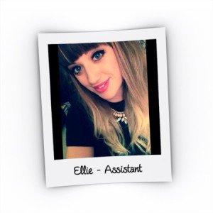 ellie selfie