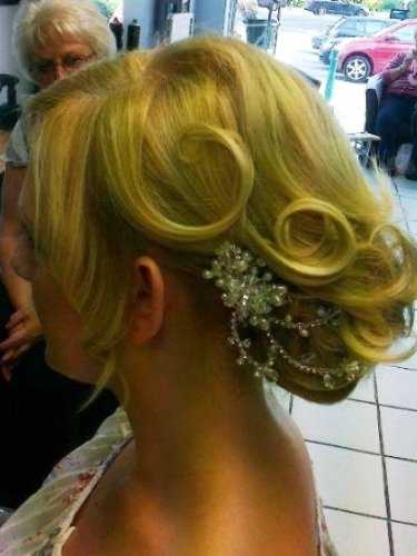 bridal-snapped-in-salon-1psd