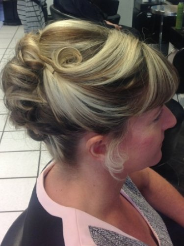 bridal-snapped-in-salon-2