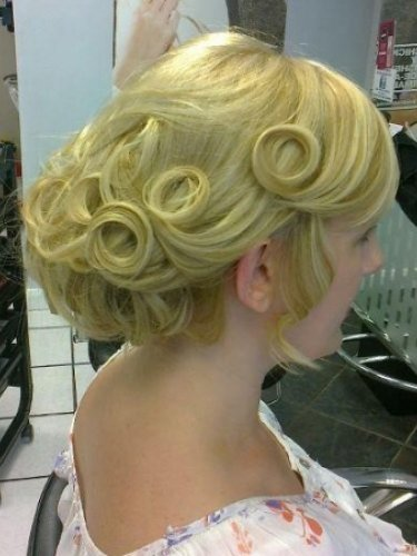 bridal-snapped-in-salon-3