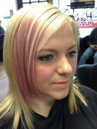 colou-snapped-in-salon-1