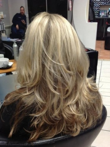 long-hair-snapped-in-salon-1psd