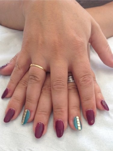 nails-hair-snapped-in-salon-3psd