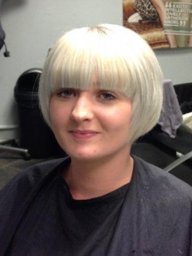 short-hair-snapped-in-salon-1psd